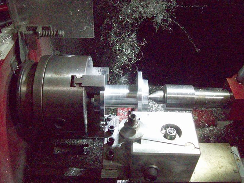 Machining a wheel hub