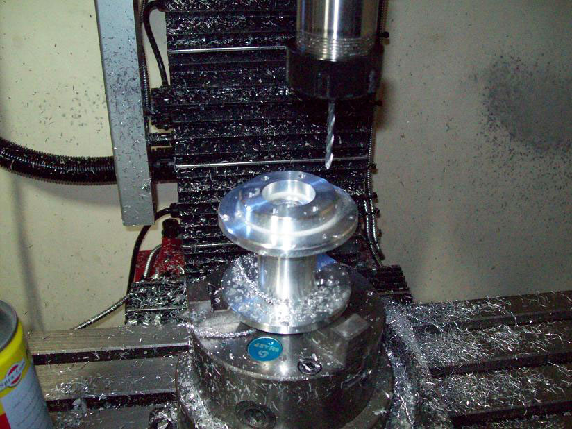 Machining wheel hub