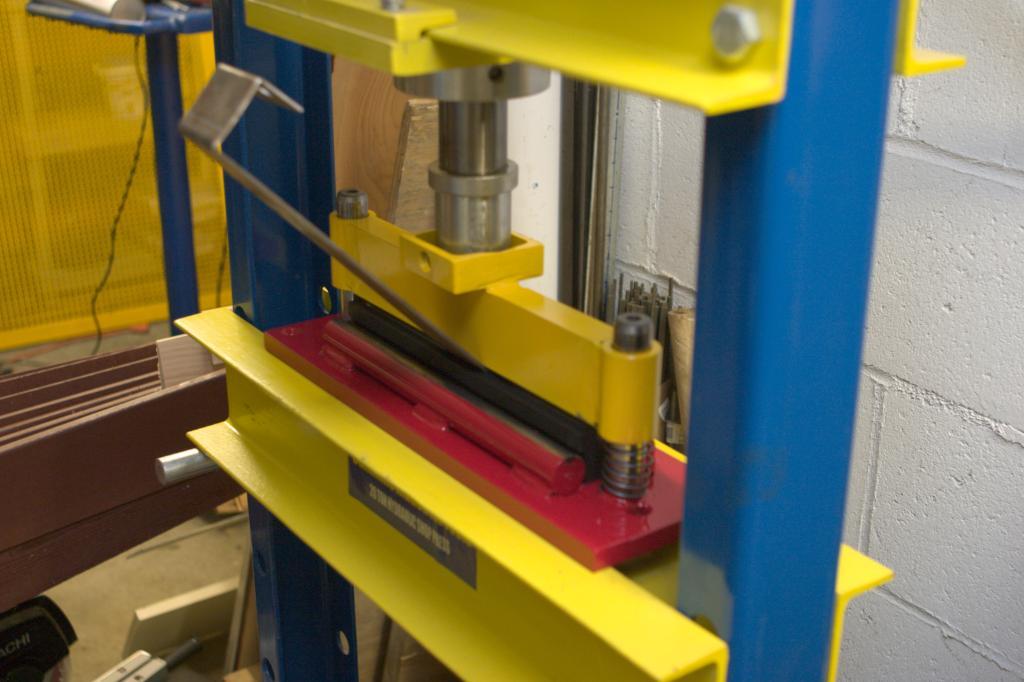 homemade sheet metal bender. press brake attachment for a hydraulic homemade sheet metal bender