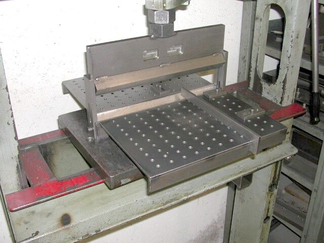 Metal Objects With Press Brake Made : Easy diy guide to press brakes tooling metal folding