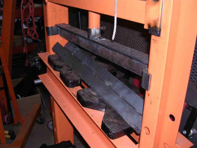dobladora - Dobladora de chapa, casera, accionada por gato hidráulico Break2